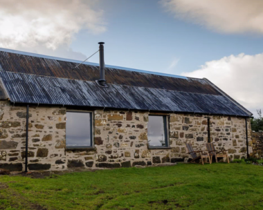 Lusa Bothy Windows