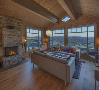 Cosy Home with View
